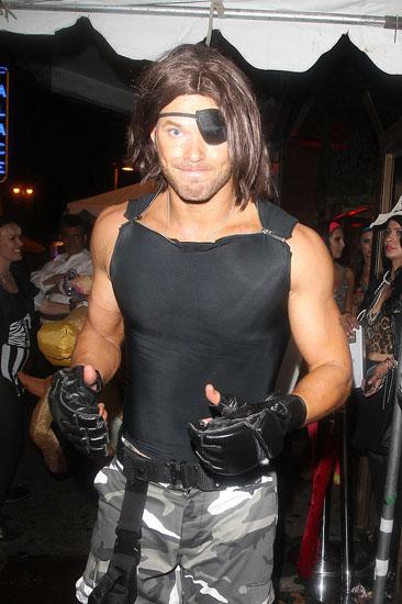 Знаменитости в костюмах на Хэллоуин - Побег из Нью-Йорка