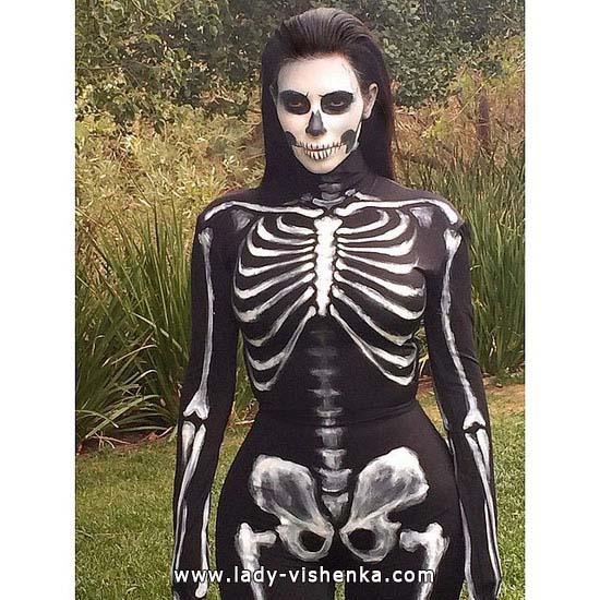 Скелет на Хэллоуин