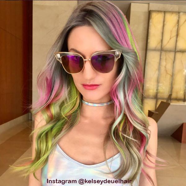 3. Голографические волосы
