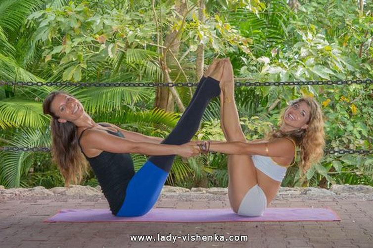 Йога для двоих - Двойная лодка