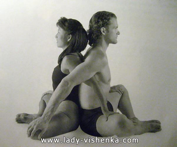 Йога для двоих - Двойная бабочка