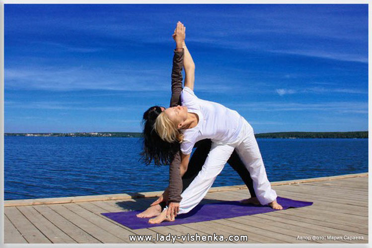 Йога для двоих - Двойной треугольник