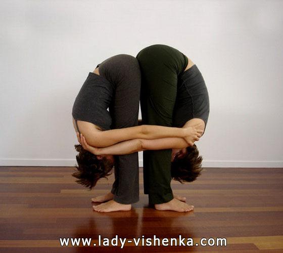 Йога для двоих - Двойной наклон вперед стоя