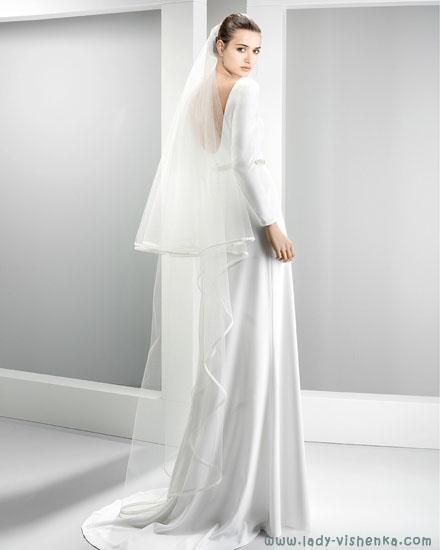 Свадебное платье с фатой Jesus Peiro
