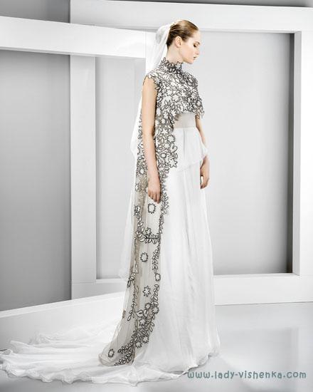 Необычные свадебные платья Jesus Peiro