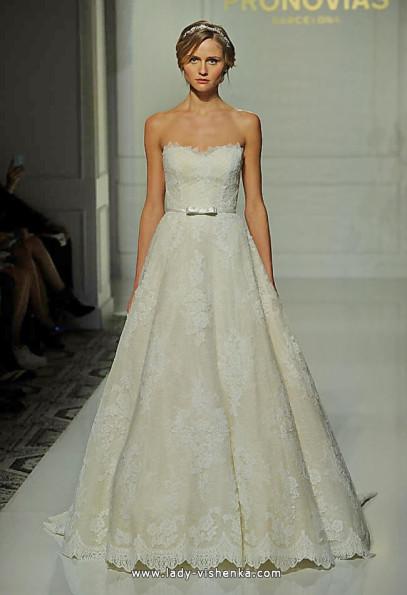 Длинное кружевное свадебное платье 2016 - Pronovias