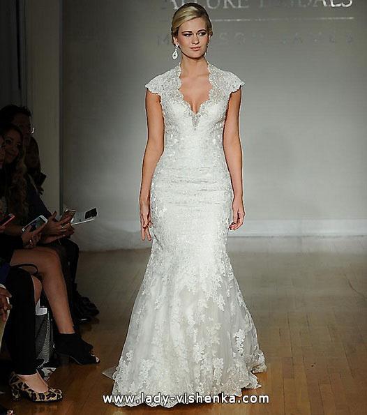 Свадебное платье - рыбка с кружевными плечами - Allure