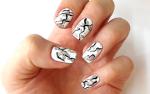 Дизайн ногтей - камень