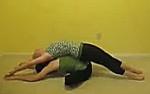 Поза Бабочки в йоге с партнером