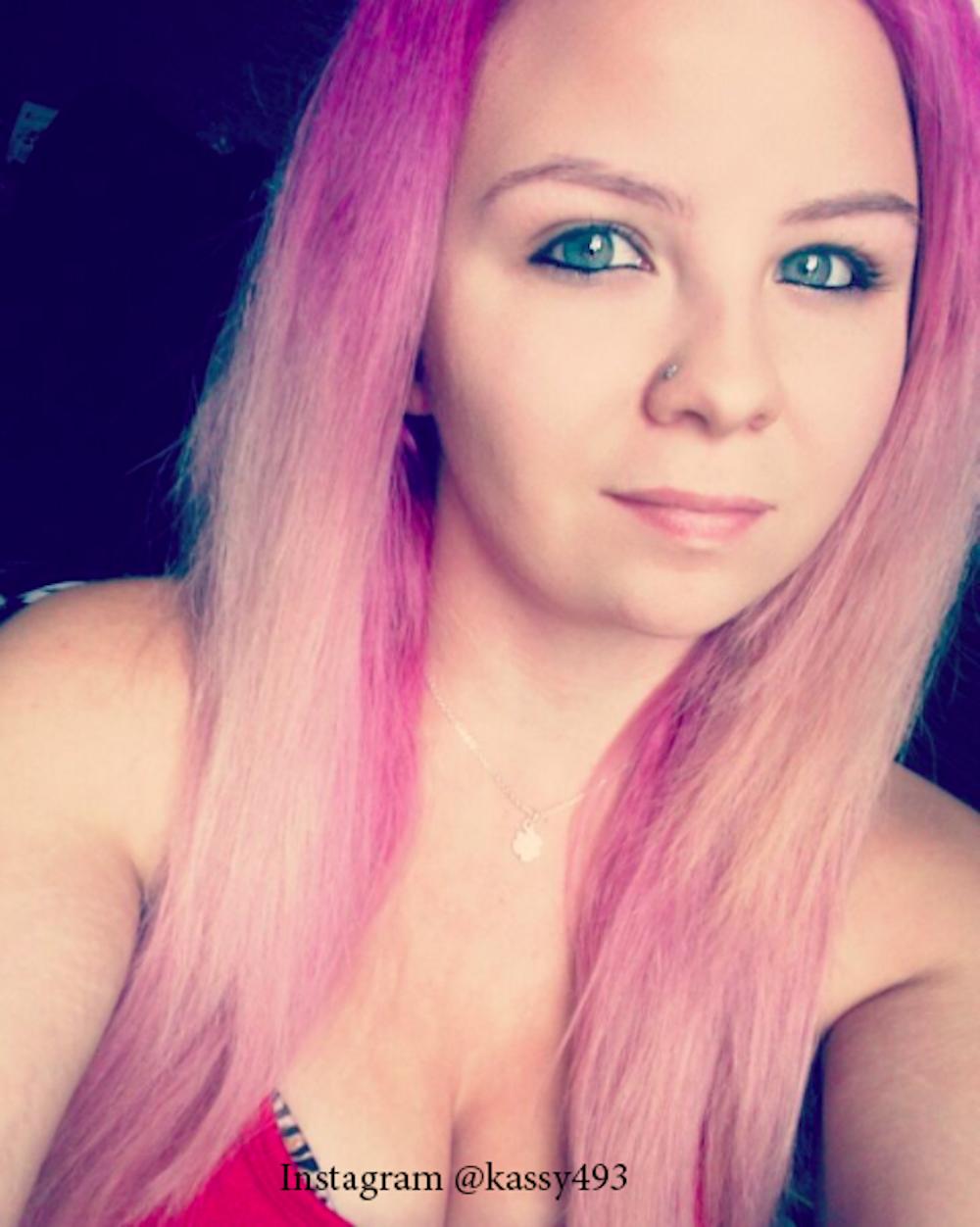 3. Розовый цвет волос