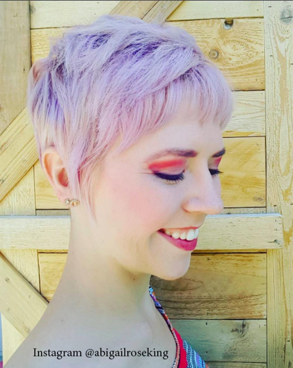 5. Розовый цвет волос