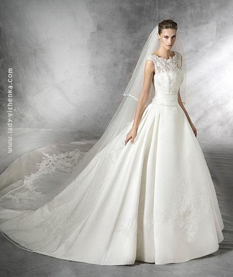 Свадебные платья пышные со шлейфом Pronovias