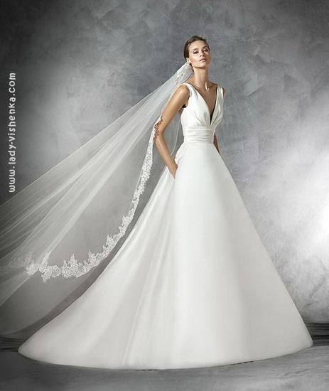 Атласное пышное платье Pronovias
