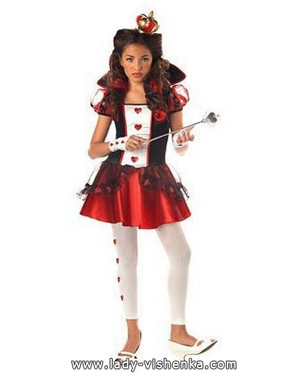 Простой костюм Королевы Червей на Хэллоун