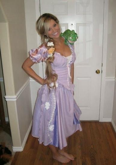 Красивый костюм Рапунцель на Хэллоуин