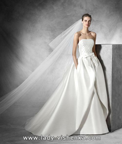 Свадебное платье из атласа весна 2016 - Pronovias