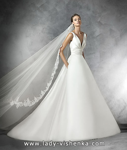 Свадебное платье из атласа 2016 - Pronovias