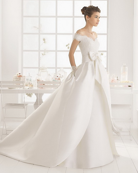 Свадебное платье из атласа со шлейфом - Aire Barcelona 2016