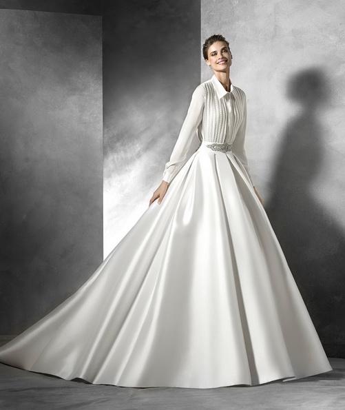Свадебное платье из атласа с длинным рукавом со шлейфом - Pronovias 2016