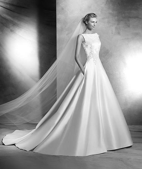Свадебное платье принцессы из атласа со шлейфом - Pronovias 2016