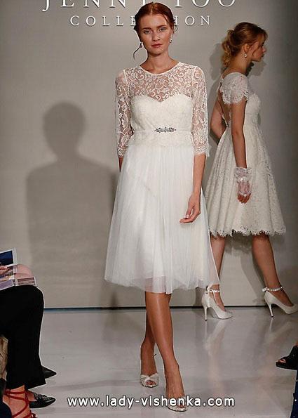 Кружевное короткое свадебное платье с рукавами - Jenny Yoo