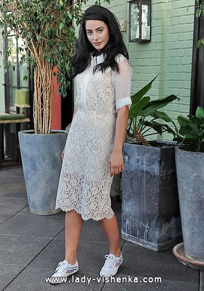 Кружевное короткое свадебное платье с рукавами 2016 - Sarah Seven