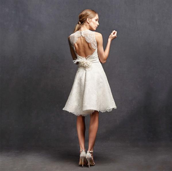 Спина короткого кружевного свадебного платья 2016 - Isabelle Armstrong