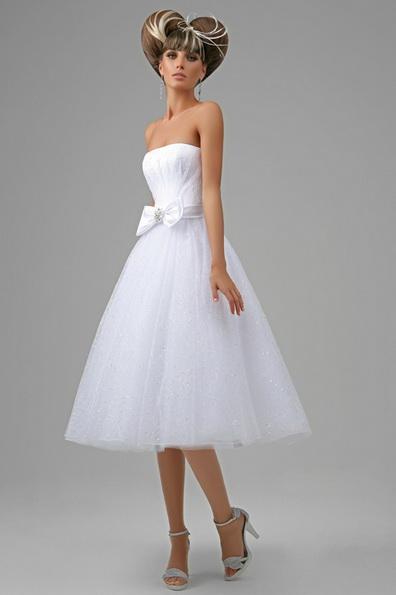 Короткое свадебное платье с пышной юбкой 2016 фото - Tatiana Kaplun