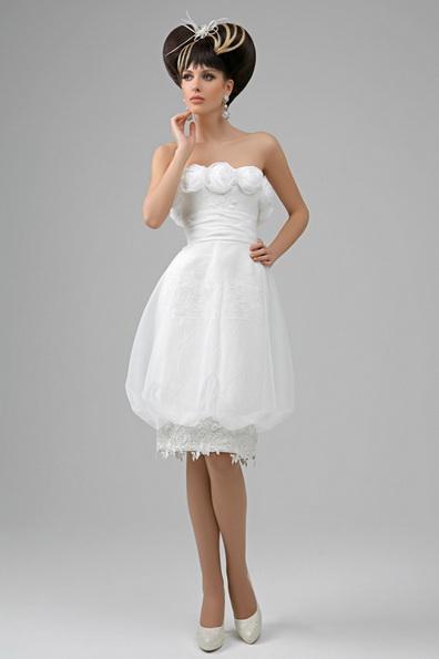 Короткое пышное свадебное платье с атласной лентой на талии - Tatiana Kaplun