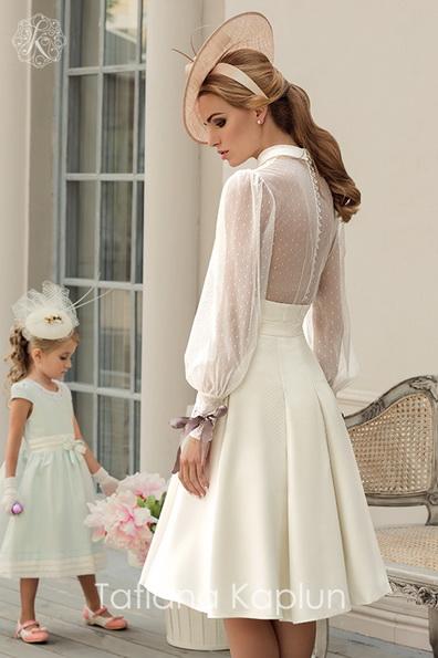 Короткое свадебное платье с длинными прозрачными рукавами - Tatiana Kaplun