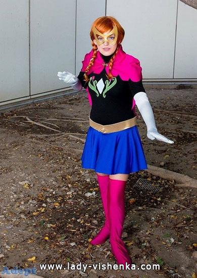 Супер Анна на Хэллоуин