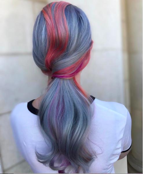 Цветное мелирование на светлые волосы