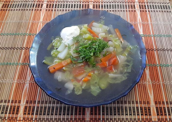 Овощной суп с пекинской капустой