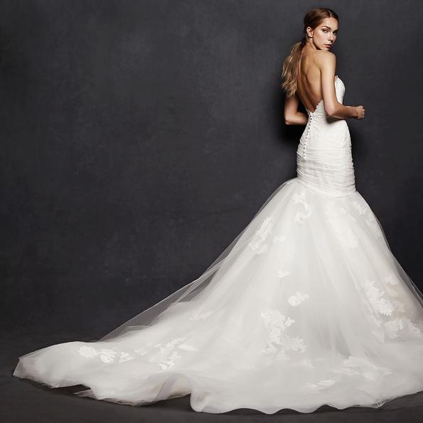 Пышное свадебное платье рыбка со шлейфом - Isabelle Armstrong