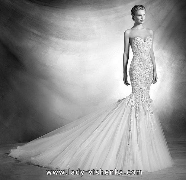 Свадебное платье рыбка со шлейфом и 3D