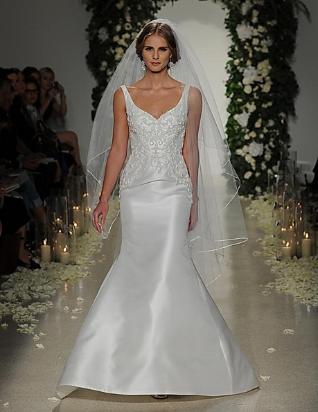 Свадебное платье с атласной юбкой Anne Barge 2016