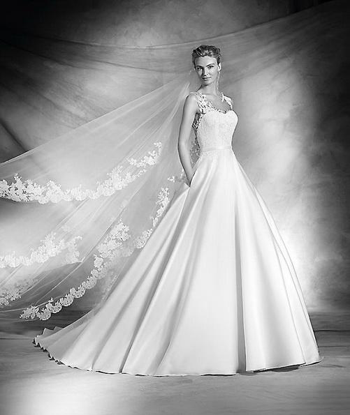 Свадебное платье с атласной юбкой Pronovias - Весна 2016