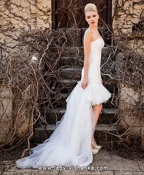 Свадебное платье короткое со шлейфом - Jordi Dalmau