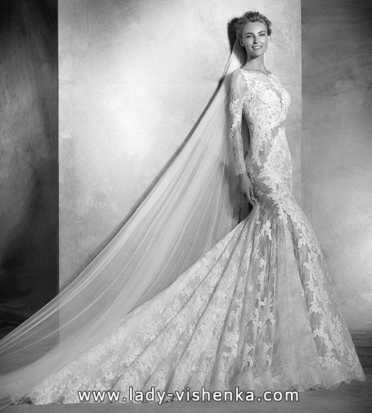 Кружевное свадебное платье с длинным рукавом - Pronovias